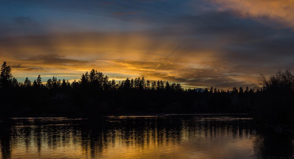 Sunset along the Deschutes River